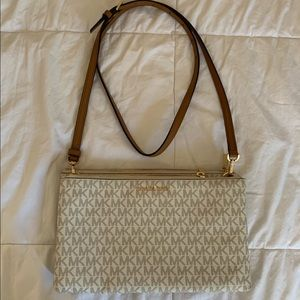 Small Cross Body Michael Kors Bag